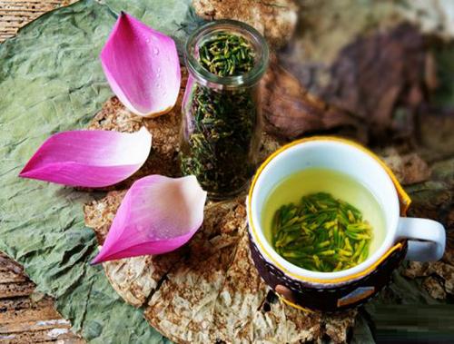 Công dụng tuyệt vời của trà tim sen không phải ai cũng biết?