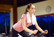 Ngắm đường cong tuyệt vời người đẹp Việt với máy tập thể dục