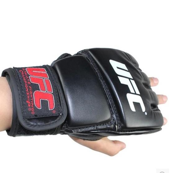 Găng tay tập boxig UFC