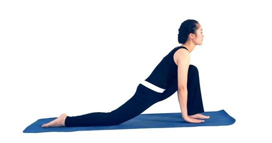 7 đông tác tập yoga vào buổi sáng2