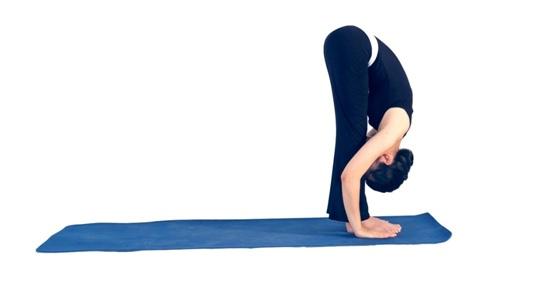 7 đông tác tập yoga vào buổi sáng4