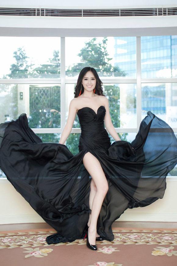 Thoi trang ao dai mai phuong sexy