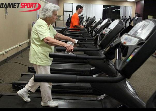 người cao huyết áp có nên sử dụng máy chạy bộ-1