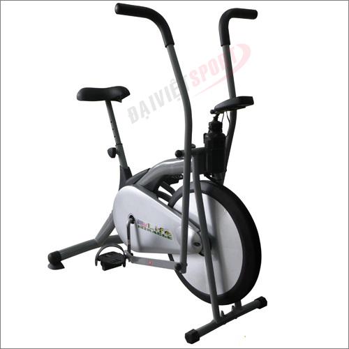 Xe đạp tập thể dục Life 900
